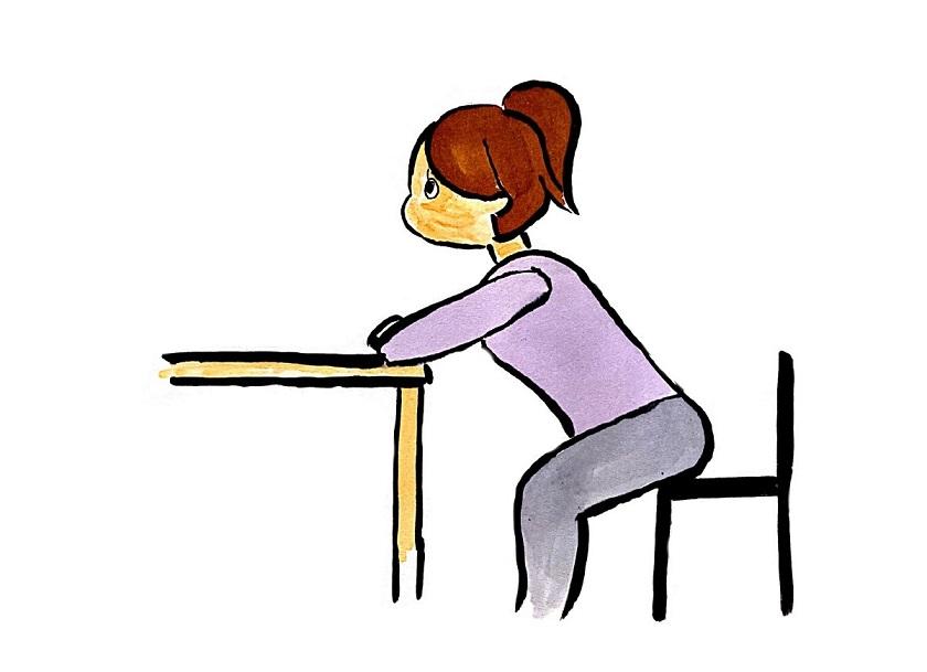 椅子は机から離して座る